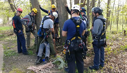 Arborist rescue clinic hosted by Kinnucan.